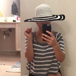 Betsey Johnson hat. One size
